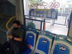 penumpang-bus-transjakarta_20201015_062754.jpg