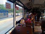 penumpang-bus-transjakarta_20201015_062821.jpg