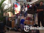penumpang-di-bandara-juanda-surabaya_1_20180629_100402.jpg