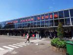 penumpang-kereta-api-di-stasiun-pasar-senen-saat-libur-paskah_20210402_191917.jpg