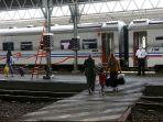 penumpang-kereta-wajib-rapid-antigen-covid-19_20201222_140109.jpg