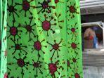 penyandang-disabilitas-memproduksi-batik-motif-virus-corona_20200820_171400.jpg