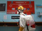 penyemprotan-disinfektan-di-lapas-cipinang_20200320_113754.jpg