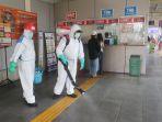penyemprotan-disinfektan-di-stasiun-poris_20200317_170625.jpg