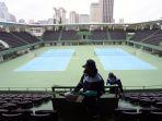 penyemprotan-disinfektan-di-tennis-indoor-senayan_20200319_194738.jpg