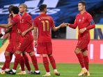 penyerang-portugal-cristiano-ronaldo-kanan-merayakan-gol-keduanya-bersama-bruno-fernandes.jpg