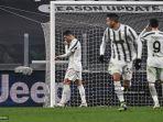 penyerang-portugal-juventus-cristiano-ronaldo-kiri-bereaksi-setelah-gagal-penalti.jpg