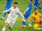penyerang-spanyol-alvaro-morata-merayakan-setelah-mencetak-gol-selama-pertandingan.jpg