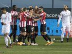 penyerang-spanyol-athletic-bilbao-raul-garcia-3r-merayakan-bersama-rekan-satu-timnya.jpg