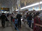penyesuaian-jadwal-penumpang-pesawat-imbas-kemacetan_20201110_170443.jpg
