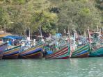 perahu-nelayan-bersandar_20141127_180104.jpg