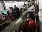 perawatan-korban-gempa-lombok-di-tenda-rsud-kota-mataram_20180806_231420.jpg