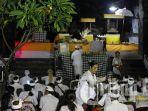 perayaan-malam-siwaratri-di-pura-goa-lawah-pesinggahan-klungkung-jumat-812016.jpg