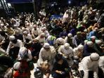 perayaan-maulid-nabi-muhammad-saw-dan-pernikahan-anak-habib-rizi_20201115_230035.jpg