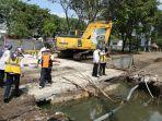 perbaikan-drainase-jalan-bandara-juanda-surabaya-05012021.jpg