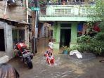 perkampungan-di-rawajati-pancoran-tergenang-banjir-dari-luapan-kali-ciliwung_20180205_142036.jpg