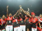persebaya-surabaya-juara-liga-2-indonesia_20171129_003515.jpg