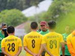 persiapan-laga-liga-2-sriwijaya-fc-terus-latihan_20210908_213727.jpg
