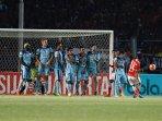 persija-vs-persela-lamongan-laga-indonesia-soccer-championship_20160515_203859.jpg