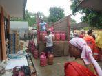 pertamina-telah-menyalurkan-lpg-untuk-operasional-4-empat-dapur-umum-pengungsi.jpg