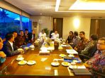 pertemuan-yang-dilakukan-antara-pimpinan-dpr-ri-dengan-menteri-keuangan-ri-sri-mulyani_20180206_203949.jpg