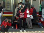 perubahan-jam-operasional-kereta-commuter-line_20200919_195652.jpg