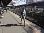perubahan-jam-operasional-kereta-commuter-line_20200919_195750.jpg