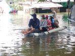perumahan-villa-mutiara-pluit-tangerang-masih-terendam-banjir_20210222_181918.jpg