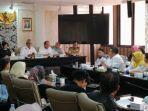 perwakilan-buruh-pt-dada-indonesia-saat-beraudiensi-dengan-anggota-dprd-jabarjpg.jpg