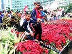 peserta-aksi-kita-indonesia-nekat-seberangi-pot-bunga_20161205_143741.jpg