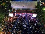 pesta-rakyat-sambut-pelantikan-anies-dan-sandiaga_20171017_122412.jpg