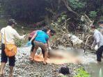 petugas-mengevakuasi-mayat-di-sungai-gondang-kecamatan-balapulang.jpg