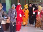 petugas-tps-o5-di-dusun-plaosan-desa-jetis-kecamatan_20180627_112221.jpg