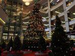 pohon-natal-raksasa-di-mall-taman-anggrek-jakarta_20201222_134254.jpg