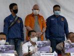 polda-metro-jaya-tangkap-buronan-fbi-di-indonesia_20200616_225819.jpg