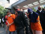 polda-metro-jaya-ungkap-kasus-pembunuhan-pengusaha-ekspedisi_20200824_174318.jpg