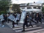 polisi-anti-huru-hara-di-bangkok-pada-16-agustus-2021.jpg
