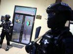 12 Terduga Teroris Ditangkap di Jatim, DPR Minta Pemerintah Lebih Serius Tangkal Radikalisme