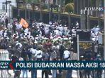 polisi-halau-massa-aksi-1812-di-jakarta-jumat-18122020.jpg