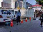 polisi-jaga-jalan-di-denpasar_20170312_091638.jpg