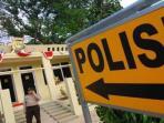 polisi-kantor_20150925_160915.jpg
