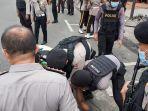 polisi-mengamankan-orang-tak-dikenal-11.jpg