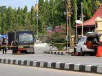 polisi-periksa-mobil-yang-dipakai-teroris-di-riau_20180516_194450.jpg