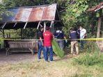 polisi-saat-mengevakuasi-penemuan-mayat-remaja-berjenis-laki-laki-yang-ditemukan.jpg
