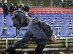 polisi-sisir-stadion-hannover_20151118_155533.jpg