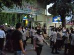 Sidang Rizieq Rampung, Personel Keamanan Mulai Tinggalkan Pengadilan Negeri Jakarta Timur