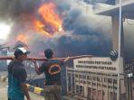 pos-tni-al-dan-kantor-polsek-kp3-kualatungkal-terbakar_20170604_071021.jpg