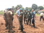 prajurit-tni-bangun-camp-internasional-di-afrika_20151127_120917.jpg