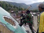 prajurit-tni-membantu-rehabilitasi-pasca-gemba-bumi-lombok_20180924_160622.jpg