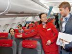 pramugari-dan-penumpang-austrian-airlines.jpg